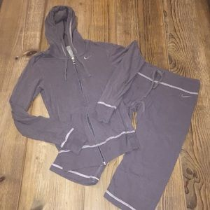 Nike 2-Piece Cotton Track Suit - Cropped Pant - XS
